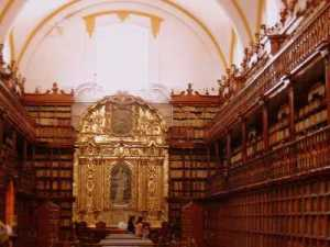 biblioteca_palafoxiana_gnufdl_wikimediacommons
